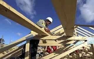 Как построить двухскатную крышу дома своими руками?