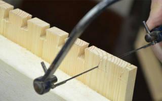 Как вставить пилку в ручной лобзик?