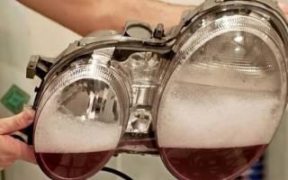 Как правильно мыть стекло автомобильной фары изнутри