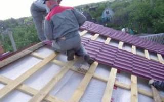 Как правильно положить черепицу на крышу?