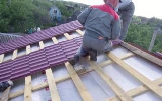 Как правильно прикрутить металлочерепицу на крышу?