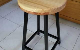 Изогнутый каркас кресла из круглой и профильной трубы