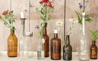 Вариант декора интерьера: бутылка в клетке