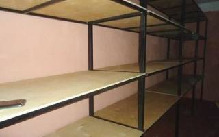 Варианты изготовления полок в гараж своими руками