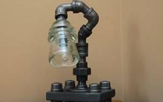 Ночной светильник в форме гильзы из пластиковой трубы