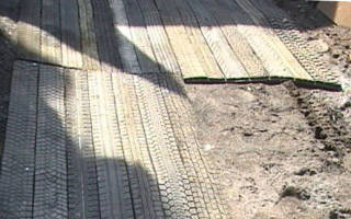 Дорожки для огорода из автомобильных покрышек