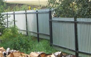 Как построить забор на даче профнастила?