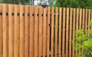 Как построить забор из досок?